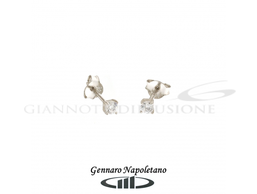 Solitaire silver earrings